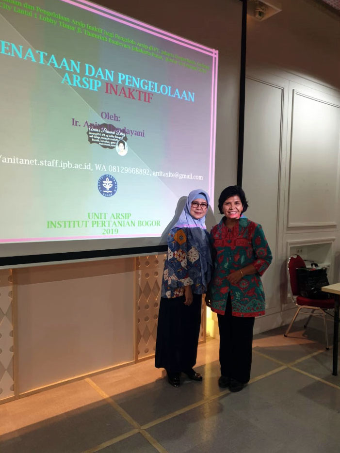 Foto saya bersama Ibu Andam Dewi General Manager Audit Internal PT. Jakpro